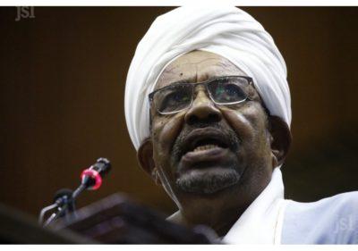 Soudan: des militaires se déclarent contre le transfert d'Omar el-Béchir à la CPI
