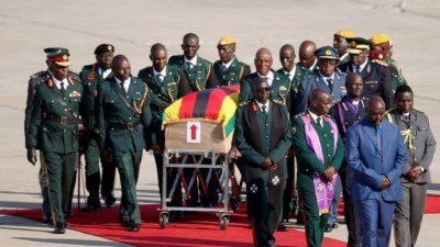 La dépouille de Robert Mugabe rapatriée au Zimbabwe pour ses funérailles nationales