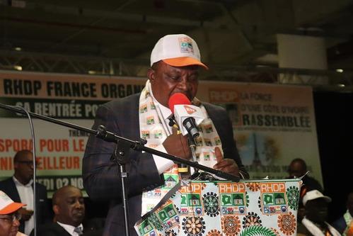 Paris : Congrès RHDP – le ministre Adjoumani galvanise ses troupes